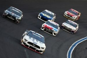 Brad Keselowski, Team Penske, Ford Mustang Miller Lite, Kevin Harvick, Stewart-Haas Racing, Ford Mustang Mobil 1, Kyle Busch, Joe Gibbs Racing, Toyota Camry M&M's Red, White & Blue