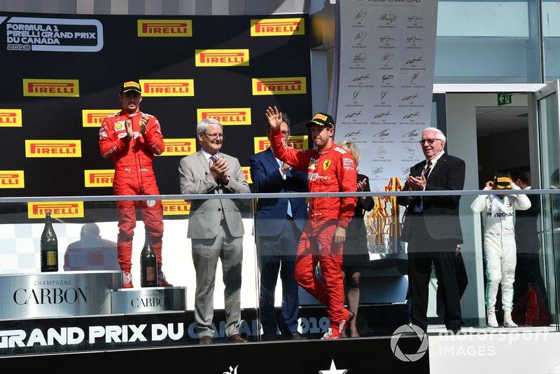 Sebastian Vettel, Ferrari, seconda posizione, arriva sul podio