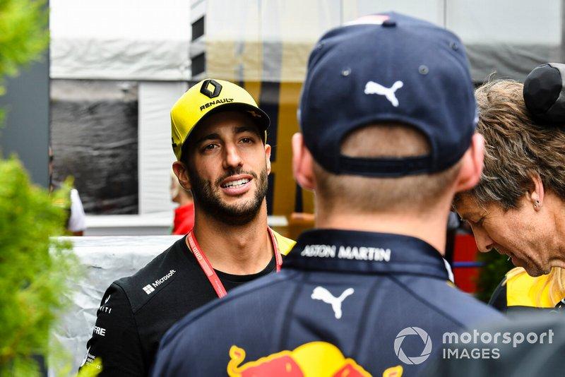 Daniel Ricciardo, Renault F1 Team e Max Verstappen, Red Bull Racing