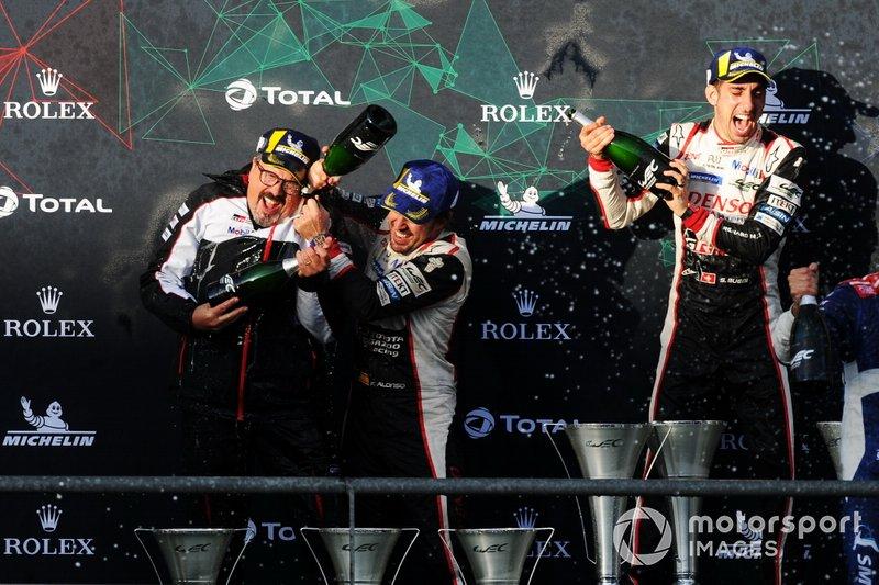 Podium: #8 Toyota Gazoo Racing Toyota TS050: Sébastien Buemi, Kazuki Nakajima, Fernando Alonso