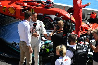 Paul di Resta, Sky Sports F1, interviews pole man Lewis Hamilton, Mercedes AMG F1, after Qualifying