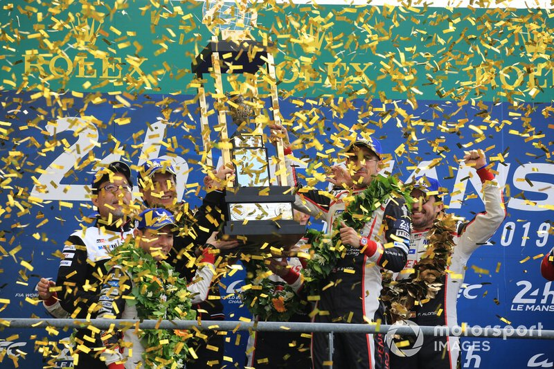 Les vainqueurs : #8 Toyota Gazoo Racing Toyota TS050: Sébastien Buemi, Kazuki Nakajima, Fernando Alonso, deuxième place #7 Toyota Gazoo Racing Toyota TS050: Mike Conway, Kamui Kobayashi, Jose Maria Lopez