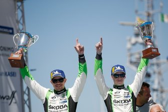 Les vainqueurs en WRC2 Pro, Kalle Rovanperä, Jonne Halttunen, SŠkoda Motorsport ŠSkoda Fabia R5