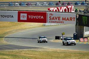 Toyota Rav4 desfile