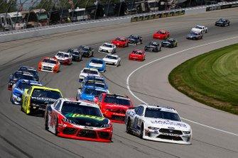 Erik Jones, Joe Gibbs Racing, Toyota Camry Craftsman / Sport Clips and Cole Custer, Stewart-Haas Racing, Ford Mustang Jacob Companies