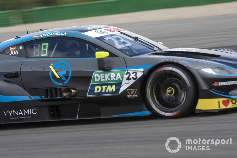 Aston Martin fällt in Hockenheim mit einer aggressiveren Lackierung als bei den Tests auf. Klicken Sie sich durch die Bilder der vier Autos und erfahren Sie, wie sie sich unterscheiden.