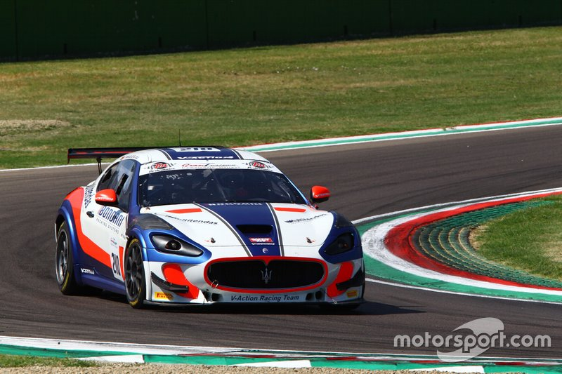 #210 Maserati Gran Turismo MC GT4, V-Action Racing Team: Cerqui-Rodrigues