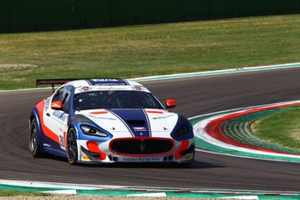 #210 Maserati Gran Turismo MC GT4, V-Action Racing Team: Cerqui-Rodrigues
