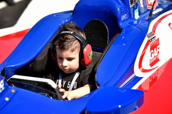 Tony Kanaan, A.J. Foyt Enterprises Chevrolet met zoon