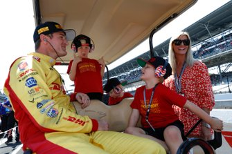 Ryan Hunter-Reay with sons Ryden, Rocsen, and Rhodes and wife Beccy