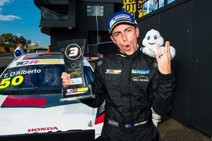 Third place Tony D'Alberto, Wall Racing