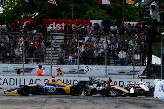 Josef Newgarden, Team Penske Chevrolet, James Hinchcliffe, Arrow Schmidt Peterson Motorsports Honda, Alexander Rossi, Andretti Autosport Honda