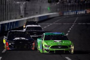 Ryan Newman, Roush Fenway Racing, Ford Mustang Acorns, Alex Bowman, Hendrick Motorsports, Chevrolet Camaro Axalta