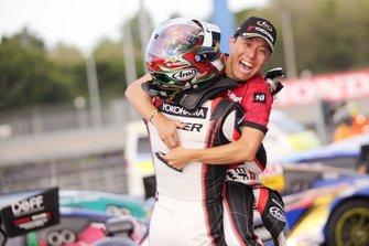 GT300 race winners #10 Gainer Nissan GT-R: Kazuki Hoshino, Keishi Ishikawa