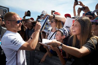 Valtteri Bottas, Mercedes AMG F1, meets fans for pictures and autographs