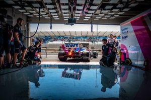 Lance Stroll, Racing Point RP19, lascia il garage