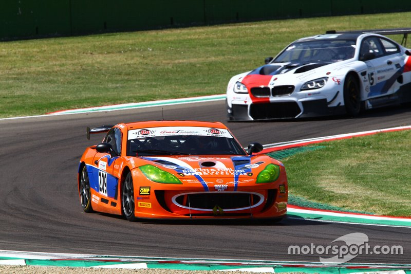 #209 Ginetta G55-GT4, Nova Race Events: Marchetti-Mantori