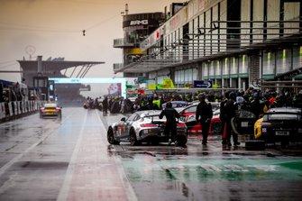#70 Mercedes-AMG GT4, Black Falcon Team Identica: Mustafa Mehmet Kaya, Yannick Mettler, Tobias Mueller, Tristan Viidas