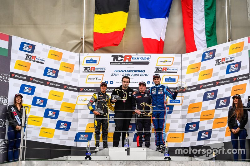 Podio: il vincitore della gara Julien Briché, JSB Compétition Peugeot 308 TCR, il secondo classificato Gilles Magnus, Comtoyou Racing Audi RS 3 LMS, il terzo classificato Dániel Nagy, M1RA Motorsport Hyundai i30 N TCR