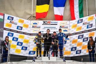 Podium: Race winner Julien Briché, JSB Compétition Peugeot 308 TCR, second place Gilles Magnus, Comtoyou Racing Audi RS 3 LMS, third place Dániel Nagy, M1RA Motorsport Hyundai i30 N TCR