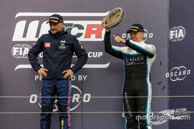 Podio: Gabriele Tarquini, BRC Hyundai N Squadra Corse Hyundai i30 N TCR, Yann Ehrlacher, Cyan Performance Lynk & Co 03 TCR