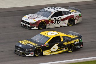 Ryan Newman, Roush Fenway Racing, Ford Mustang Performance Plus Motor Oil and Matt Tifft, Front Row Motorsports, Ford Mustang Out West Express