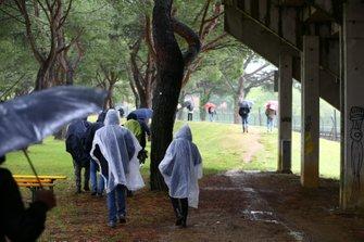Fans leaving after WorldSBK race2 cancelled