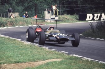 Jo Siffert, Lotus 49B; Chris Amon, Ferrari 312/68