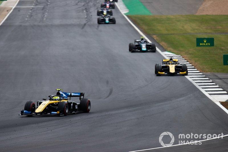 Luca Ghiotto, UNI Virtuosi Racing e Guanyu Zhou, UNI Virtuosi Racing