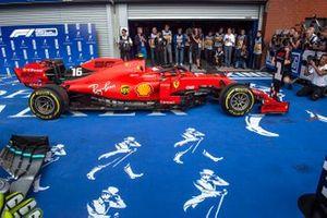 Charles Leclerc, Ferrari SF90, 1ª posición, llega a Parc Ferme