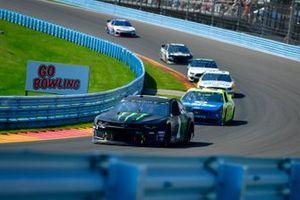 Kurt Busch, Chip Ganassi Racing, Chevrolet Camaro Monster Energy, Paul Menard, Wood Brothers Racing, Ford Mustang Menards / Dutch Boy