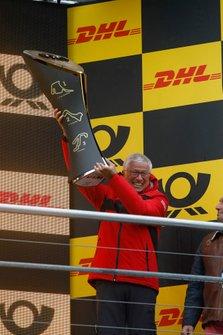 Şampiyona podyumu: Arno Zensen, Audi Sport Team Rosberg, Team champion