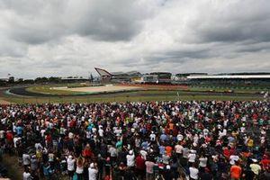 Lewis Hamilton, Mercedes AMG F1, en tête de la course