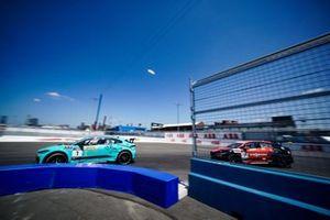 Mark Hacking, Jaguar VIP car Célia Martin, Viessman Jaguar eTROPHY Team Germany