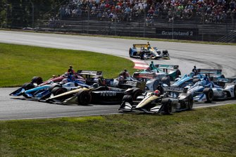 Takuma Sato, Rahal Letterman Lanigan Racing Honda, Marcus Ericsson, Arrow Schmidt Peterson Motorsports Honda, James Hinchcliffe, Arrow Schmidt Peterson Motorsports Honda, start, crash