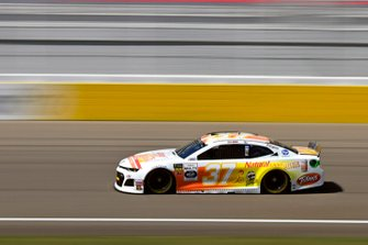 Chris Buescher, JTG Daugherty Racing, Chevrolet Camaro Natural Light Seltzer
