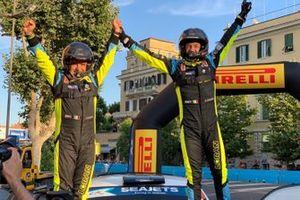 Победители Джандоменико Бассо и Лоренцо Гранаи, LORAN s.r.l