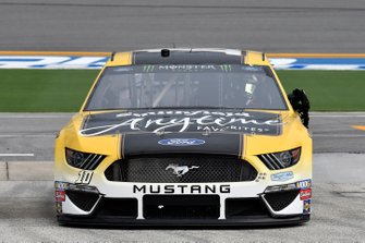 Aric Almirola, Stewart-Haas Racing, Ford Mustang Smithfield Anytime Favorites