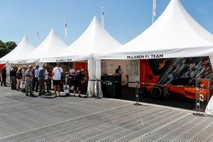 The McLaren team's show car and strand