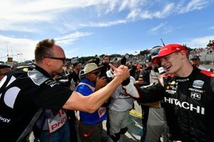 Josef Newgarden, Team Penske Chevrolet celebrate the championship