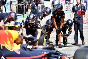 The Red Bull pit crew practice with the car of Pierre Gasly, Red Bull Racing RB15