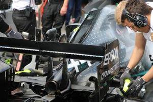 Lewis Hamilton, Mercedes AMG F1 W10 rear wing detail