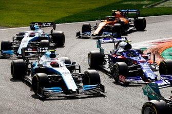 Pierre Gasly, Toro Rosso STR14, leads Robert Kubica, Williams FW42, George Russell, Williams Racing FW42, and Lando Norris, McLaren MCL34, at the start