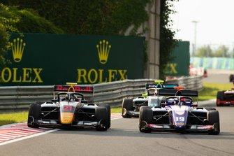 Юри Випс, Hitech Grand Prix, и Нико Кари, Trident