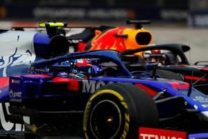 Pierre Gasly, Toro Rosso STR14, Max Verstappen, Red Bull Racing RB15
