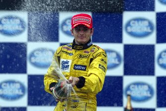Podio: Ganador Giancarlo Fisichella, Jordan celebrates