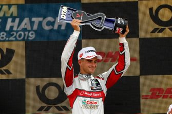 Podio: terzo classificato Nico Müller, Audi Sport Team Abt Sportsline