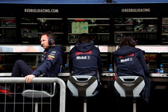 Christian Horner, Team Principal, Red Bull Racing, sul pit wall