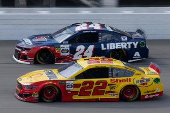 Joey Logano, Team Penske, Ford Mustang Shell Pennzoil William Byron, Hendrick Motorsports, Chevrolet Camaro Liberty University