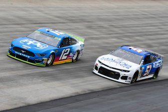 Ryan Blaney, Team Penske, Ford Mustang PPG, Austin Theriault, Petty Ware Racing, Ford Mustang JACOB COMPANIES